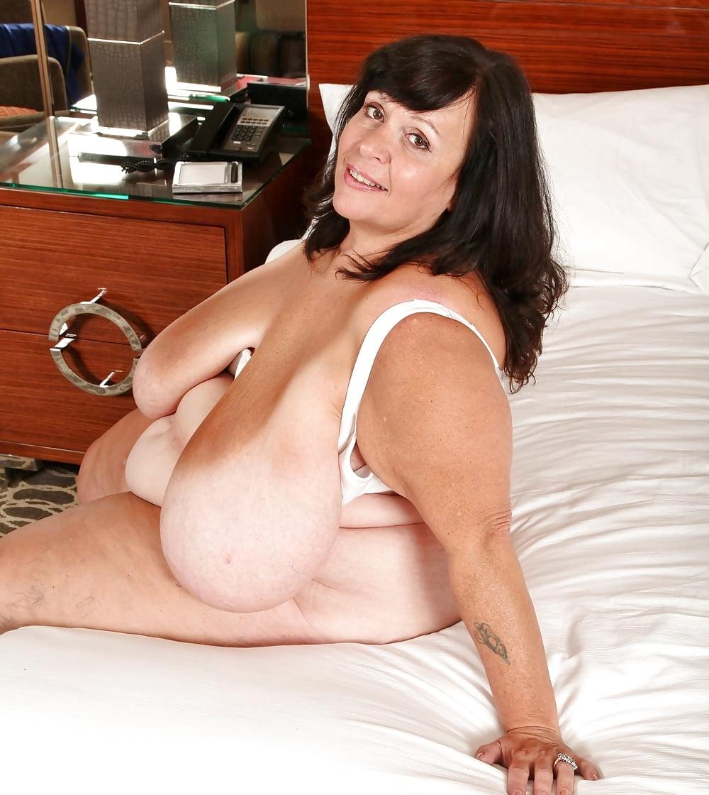 Ssbbw titties