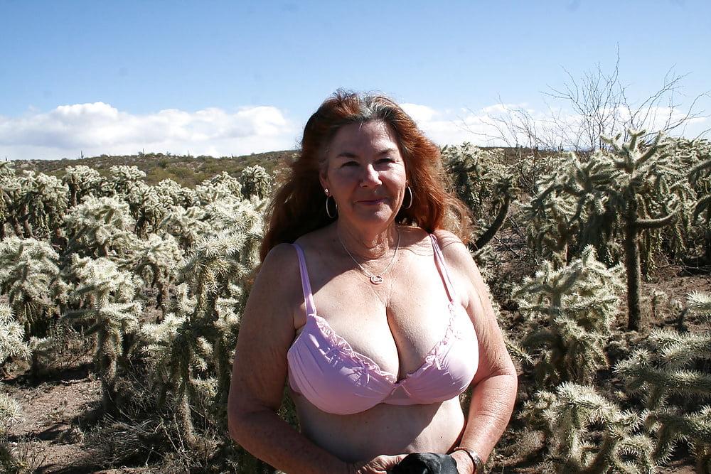 Смотреть видео большие груди пожилых женщин, негры пришли в гости порно