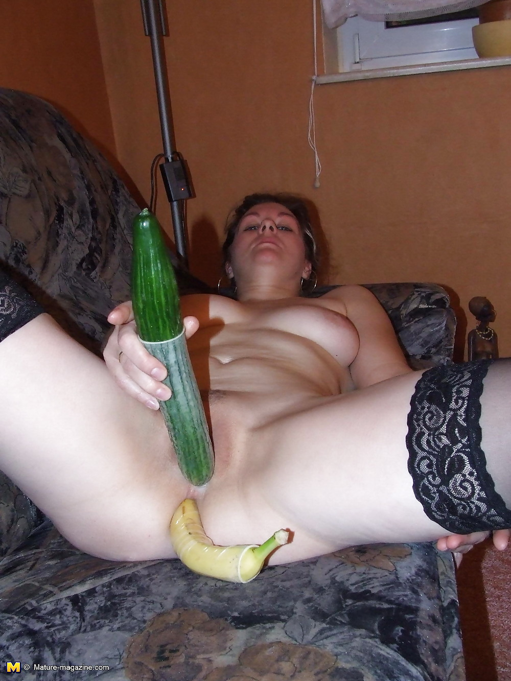фото тети с бананом в попе частное - 10