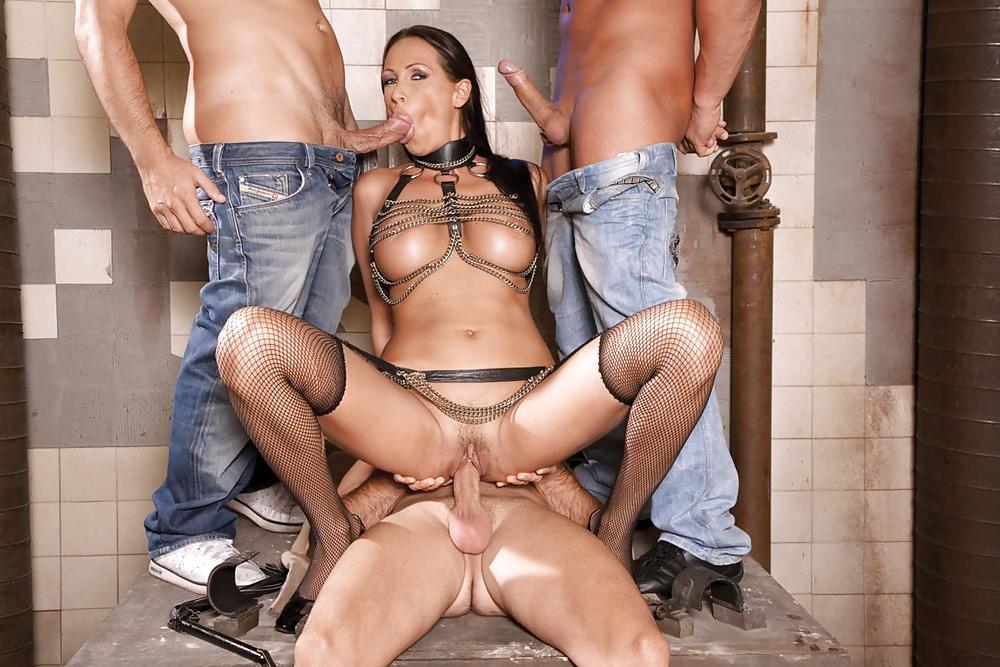 Порно аллу трахают прямо на съемках, разрешил жене трахнуться с мужиками