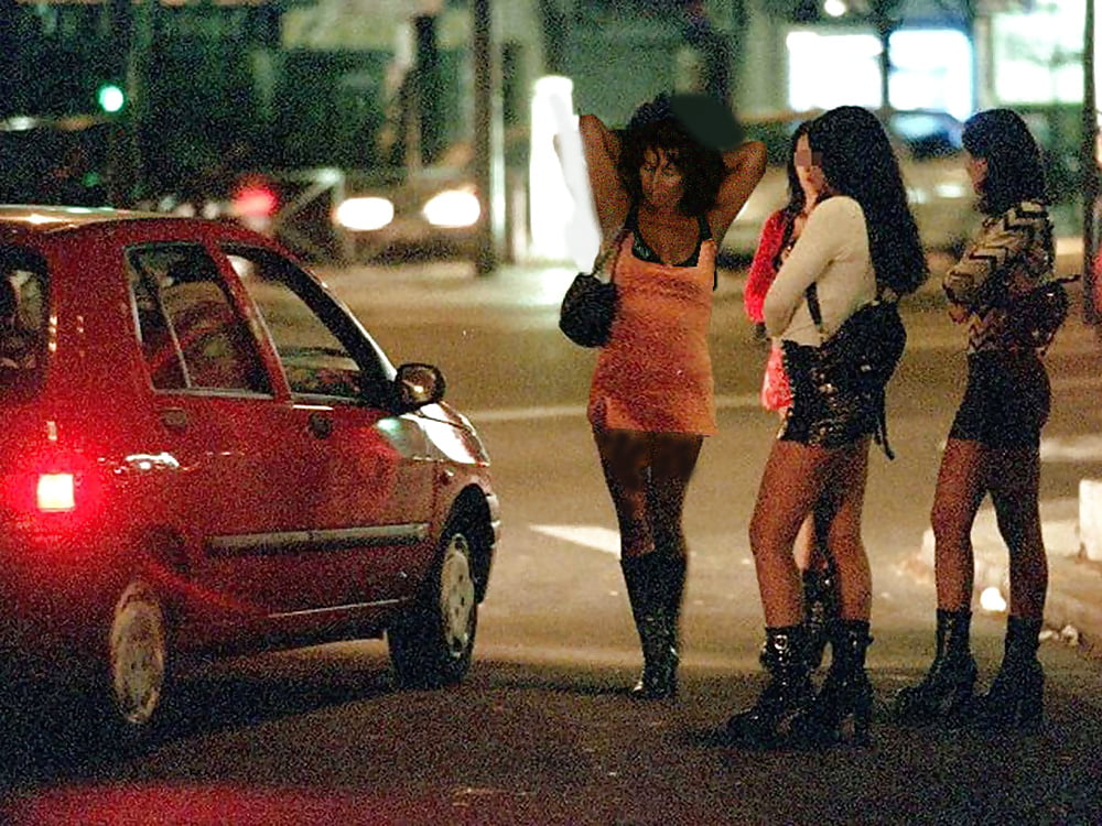 Why hire an escort girl and avoid prostitute