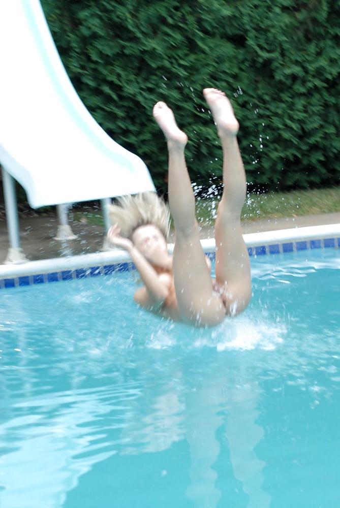 Public nudity photo femaleflash