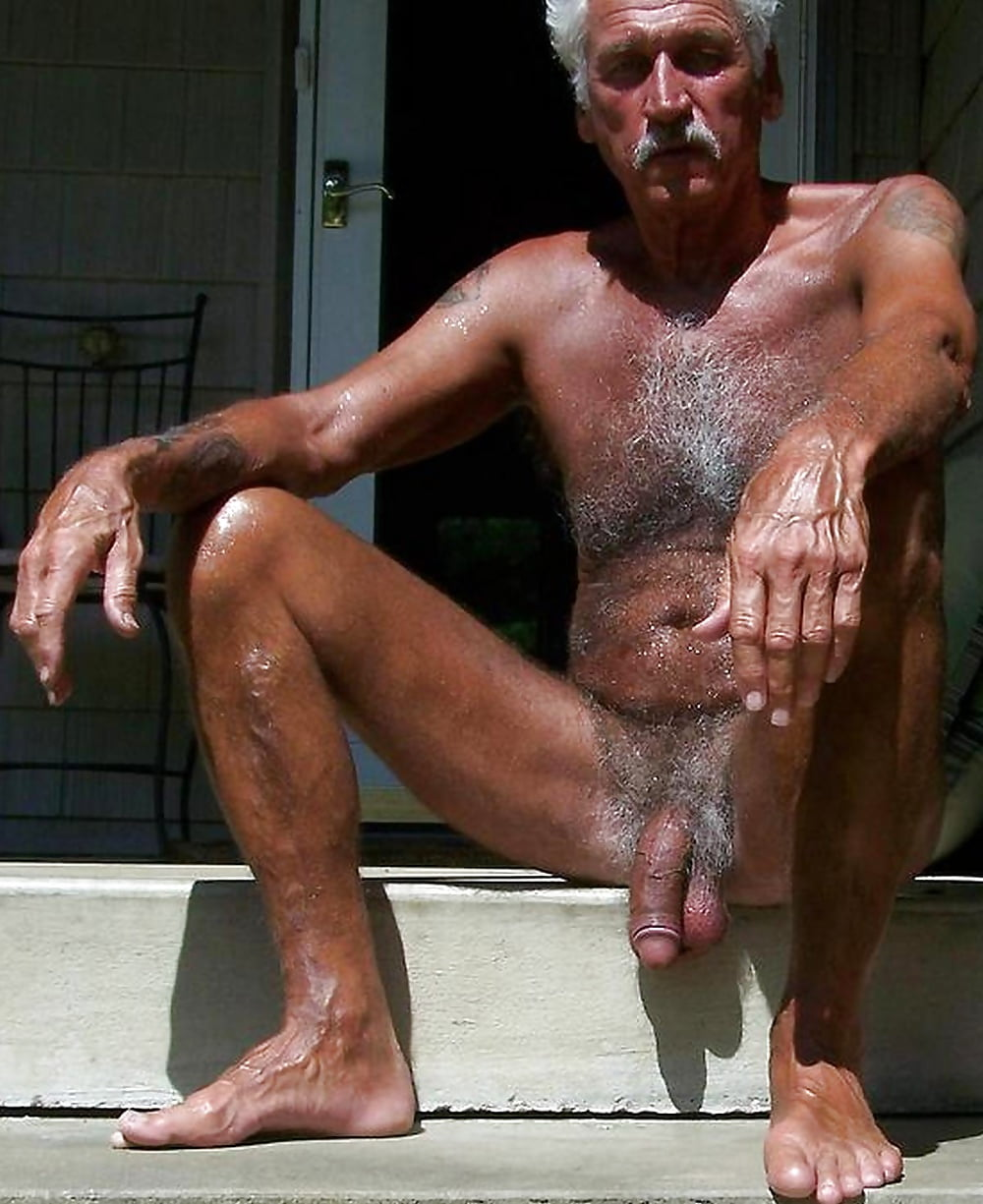 hot-naked-older-male
