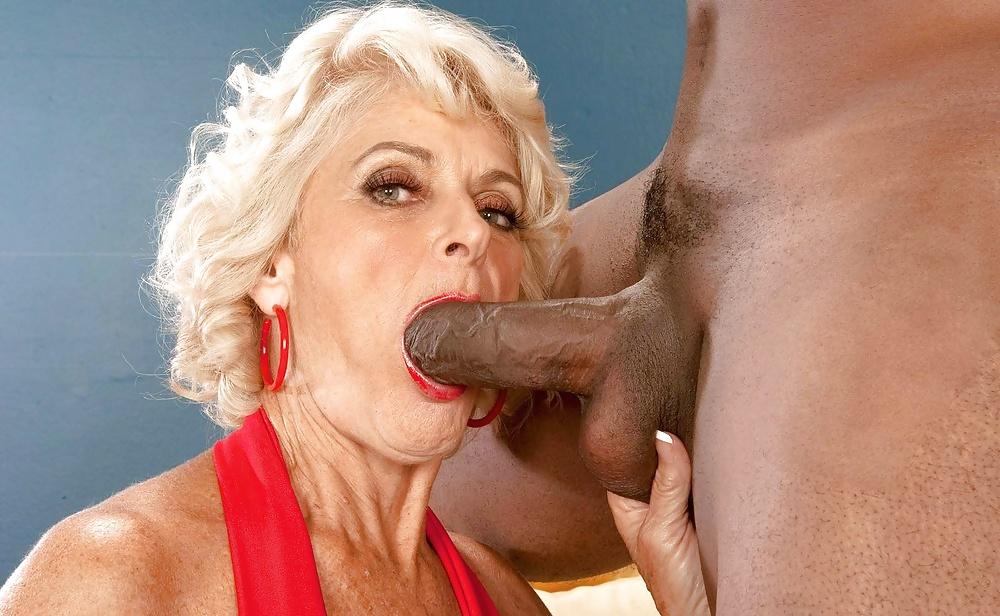 granny-oral-black-tube