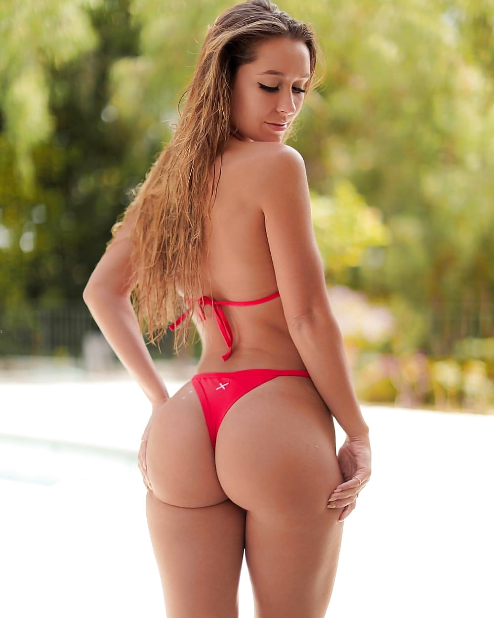New Unbelievable Photo Of Leanne Crow Hot Pink String Bikini