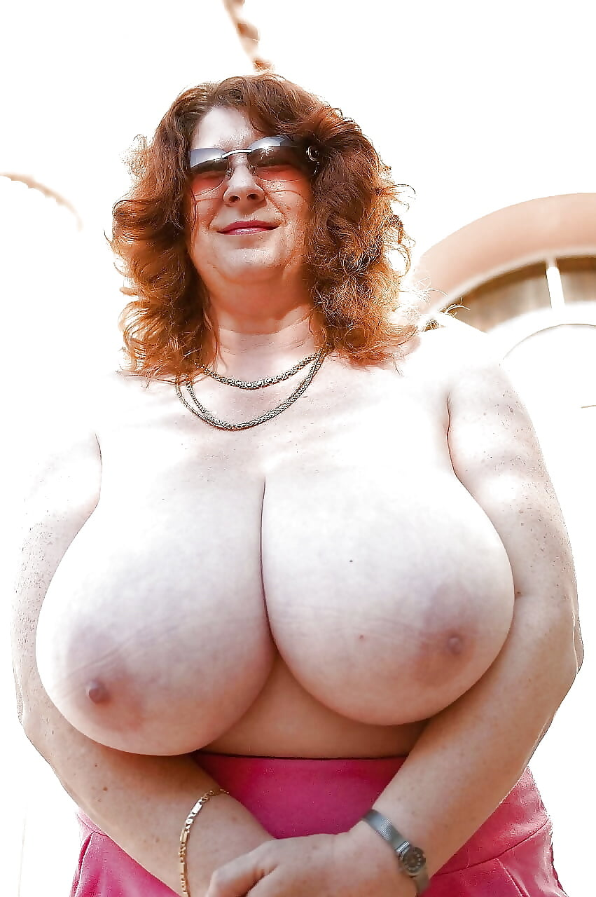 Heavy breast milf