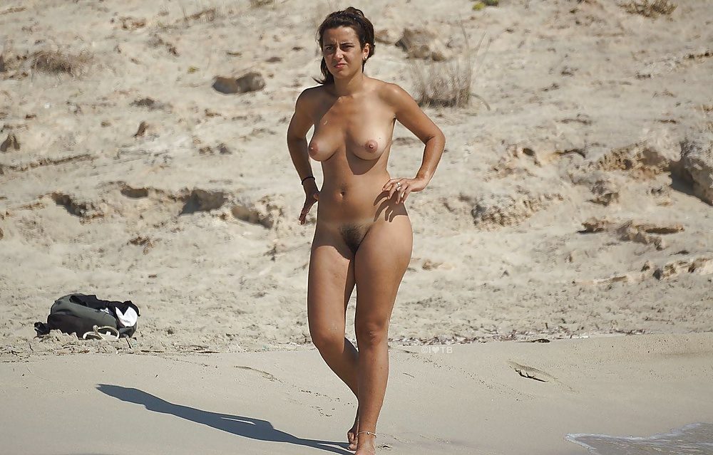 daisy-beach-nude-fuck-by-grandfather-nude-picture