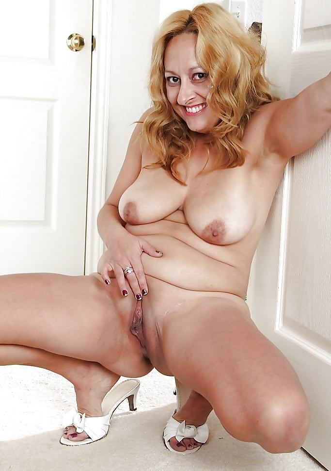 Ful naked skyla mature pics hillary duff nude