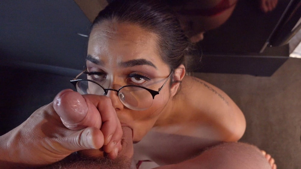 GERMAN SCOUT - NERDY CURVY TEEN PICKUP AND ROUGH FUCK - 25 Pics