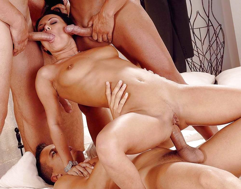 foto-odnu-troynoy-seks-polnometrazhnie-filmi