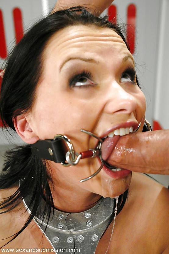 Видео член во рту с расширителем фото настоящее имя порно