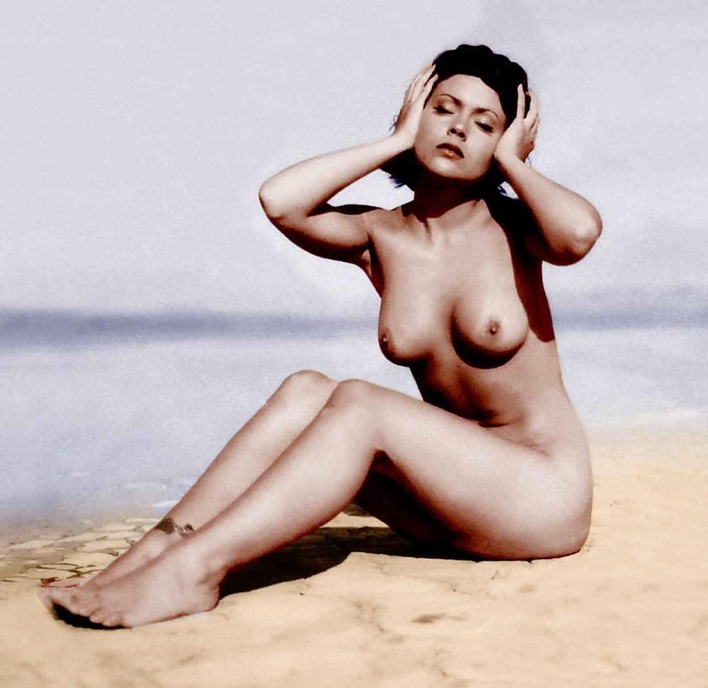 Alyssa milano's sexy tits erotic photos of celebrities and sexy actresses