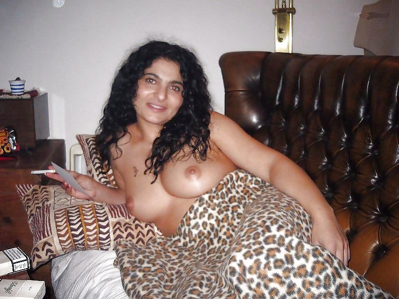 Arab hot mom naked