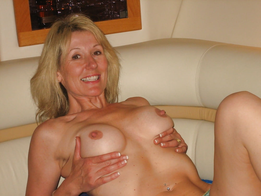 Slim Milf Got A Powerful Dick Of Her Lover In A Hairy Vagina, Free Blowjob Porn Online