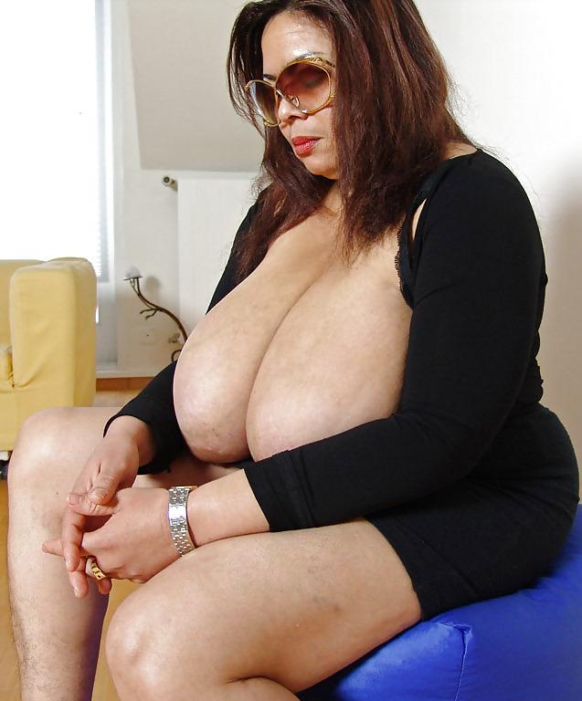 Hotties Mature Heavy Tit Milfs Porn Pic