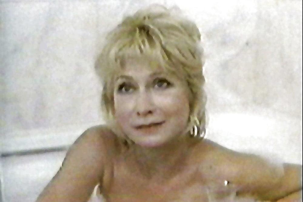 Felicity Kendal  nackt