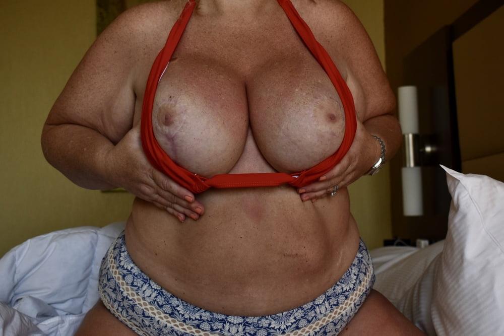 Super Busty MILF in Bikini Shows Off Big Boobs (2) - 31 Pics