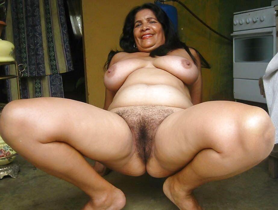 Iraqi chubby woman moans