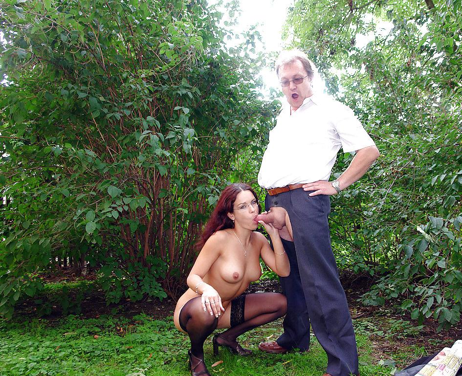 в общественных местах порно стариков фото все