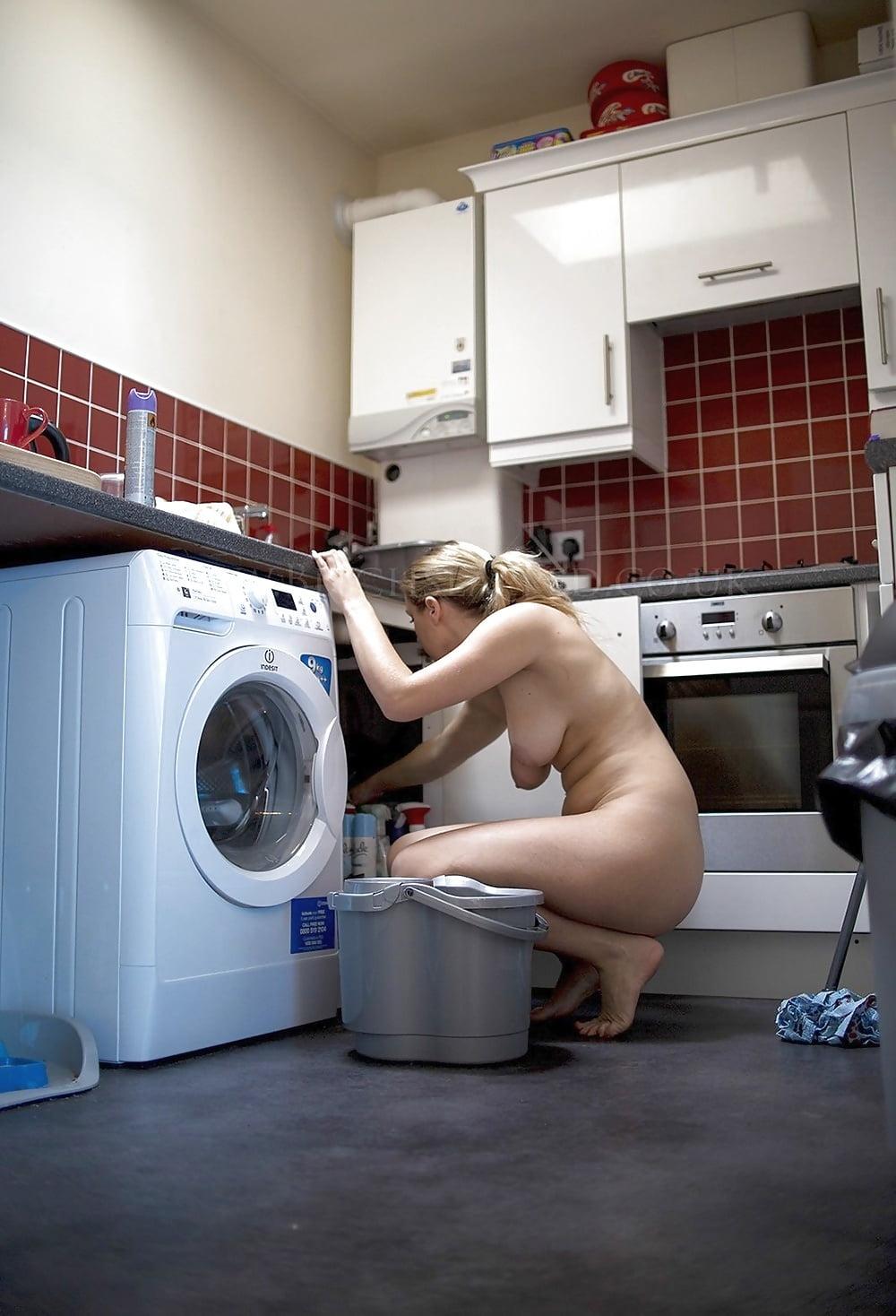 sullivan-nude-cleaning-women-naked-junior