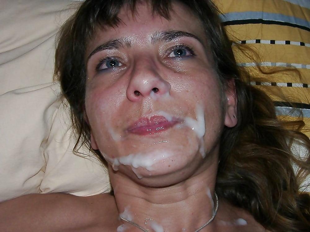 Играется личико жены в сперме приеме врача смотреть