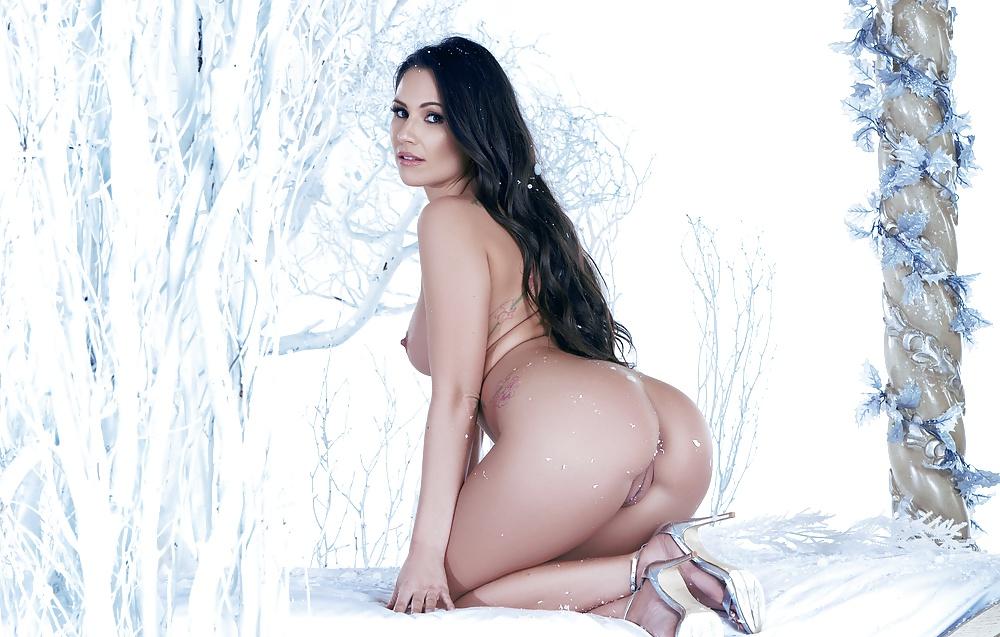 Онлайн зрелой порнофото снежная королева групповуху негров пьяной