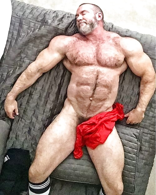 Sexy Muscle Bear Naked HD