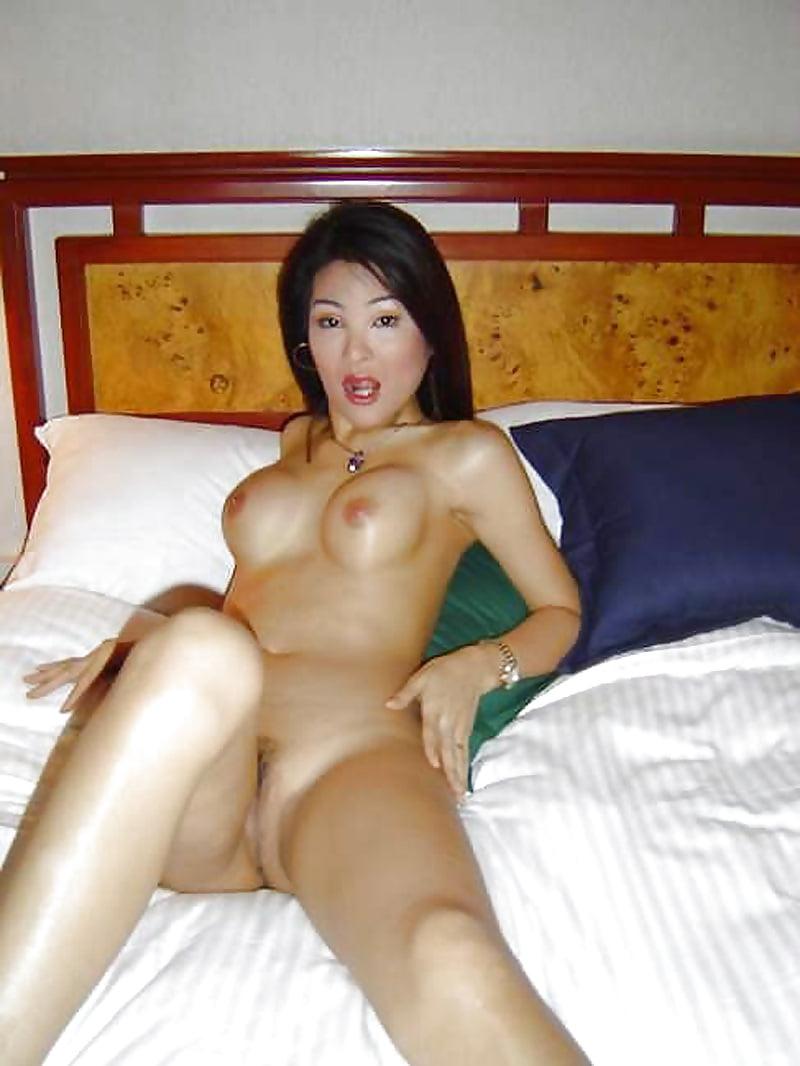 vietnamese-moms-naked