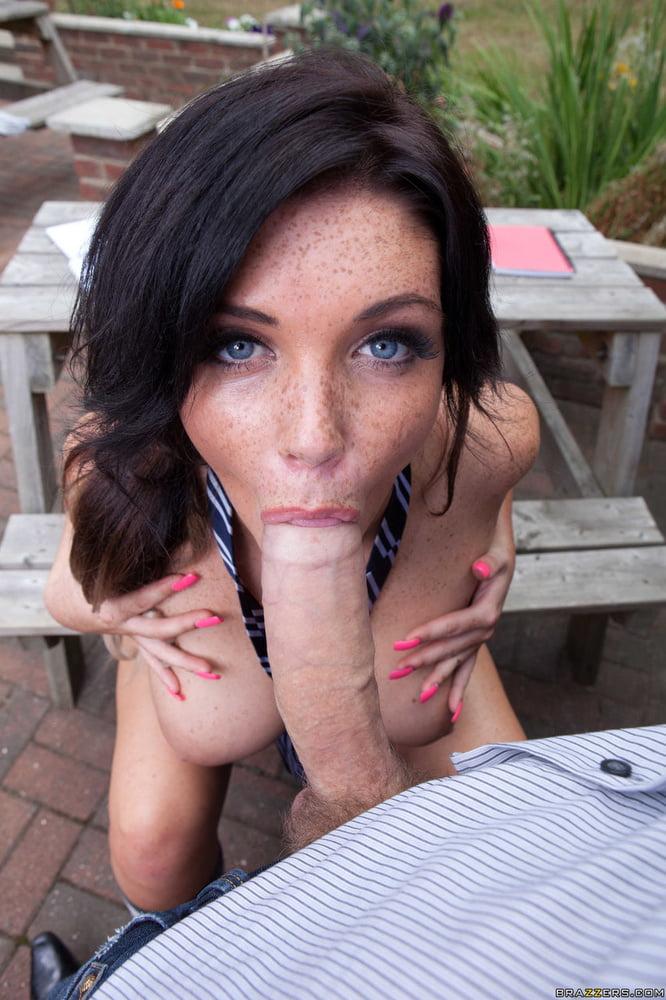 Big booty brunette porn-9355