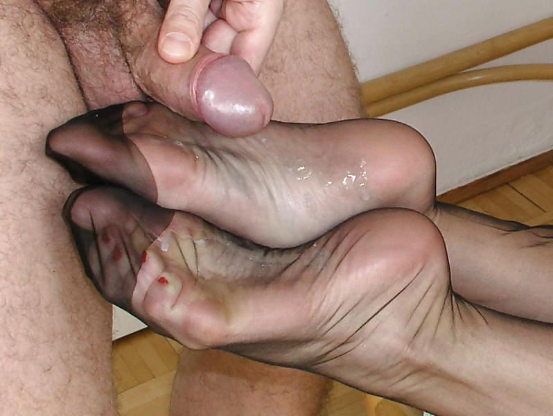 Обкончал зрелой пальцы ног фото 3