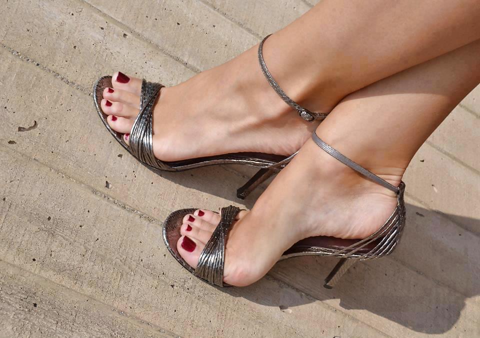 фото женские ножки футфетиш самое гланое