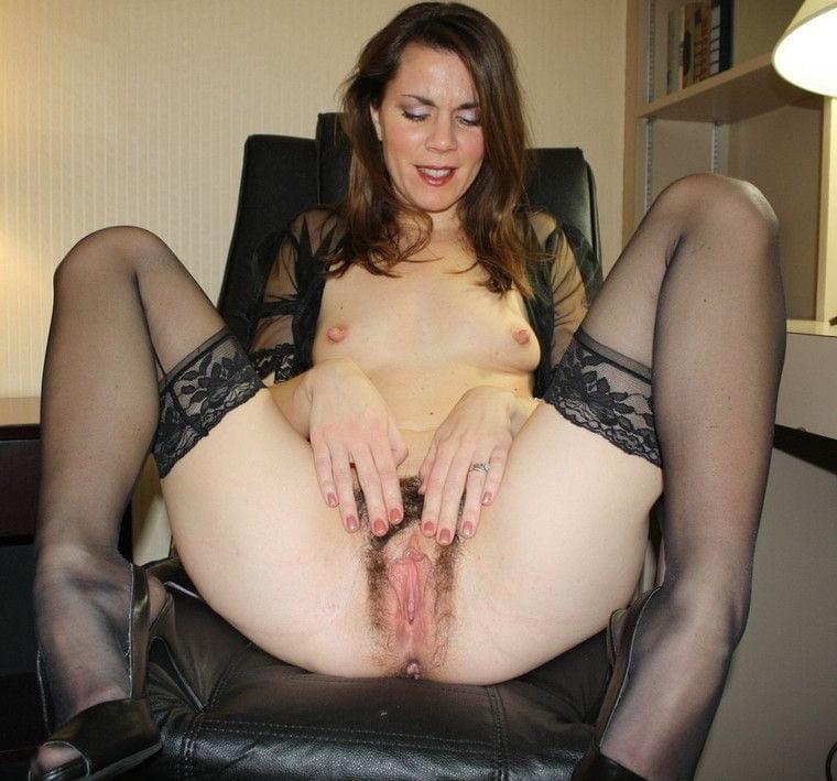 Hot Moms Spread Wide 312 - 50 Pics
