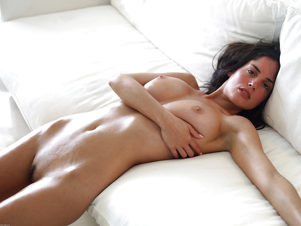 Fat nude tanning bed