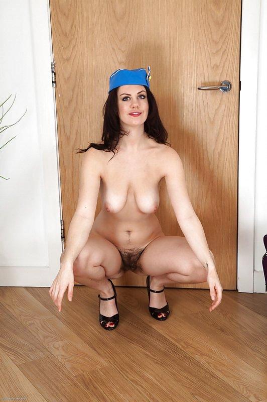 Порно фото стюардесс с волосатой вагиной