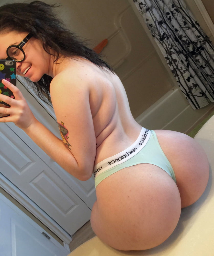 white-girls-in-thongs-nude