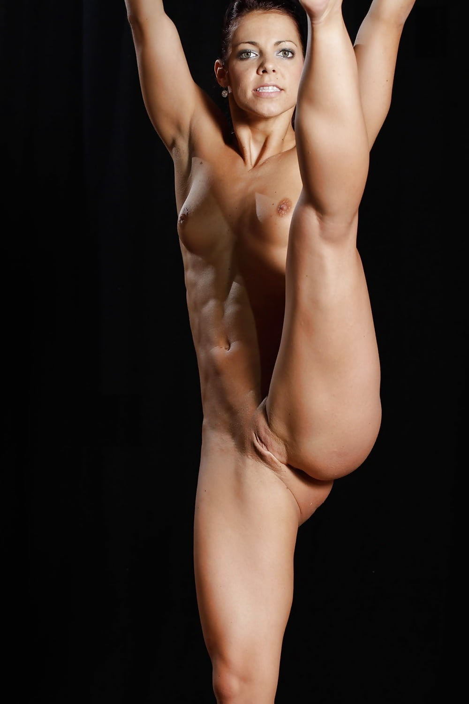 Nude Fitness Girls