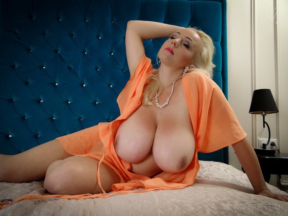 free-mobile-big-tits