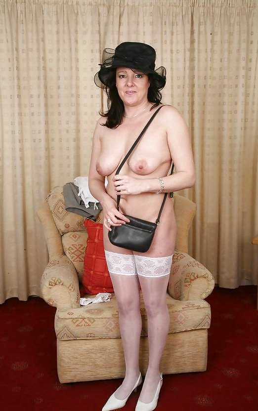 Big Breasted British Mature Lady Feeling Naughty On Bed