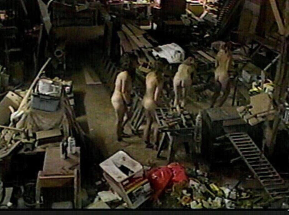 Nude slaves labor - 7 Pics