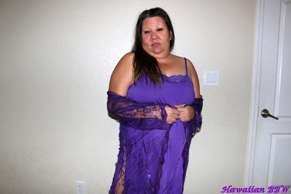 Hawaiian BBW Lingerie Modeling - 19 Pics