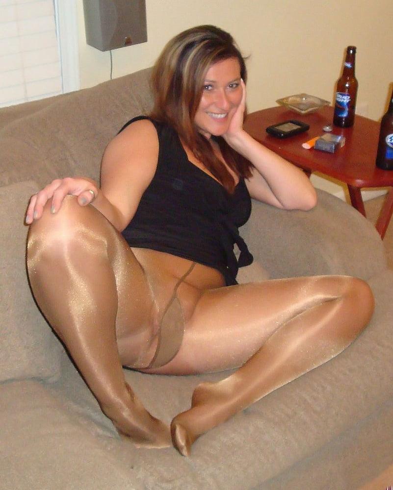 Search pantyhose amateur