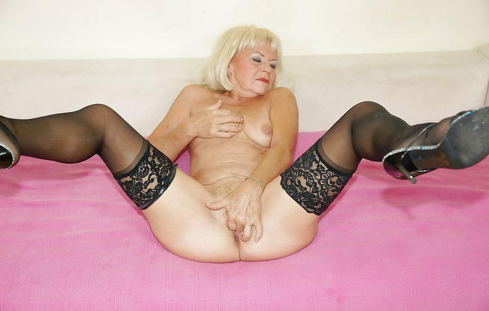 Mature sexy slut photos — 10