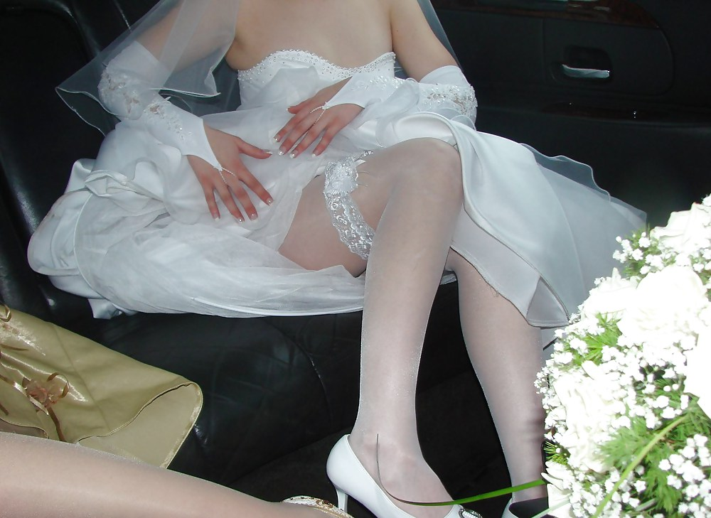 svadebniy-podsmotrenniy-intim-foto-damu-otsosat