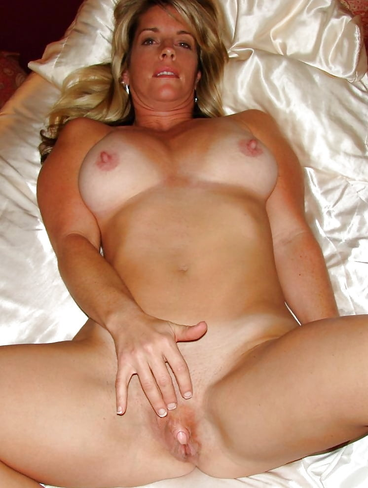 naked-cougar-women-sex-irons