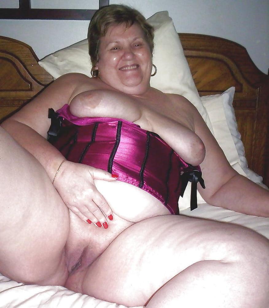 далее эро фото пожилых толстых шлюх упругие сиськи