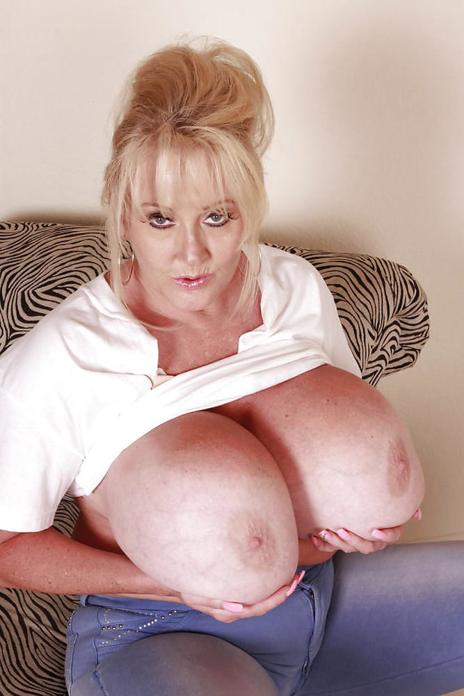Mature boobs squeezed, beatiful porn girl