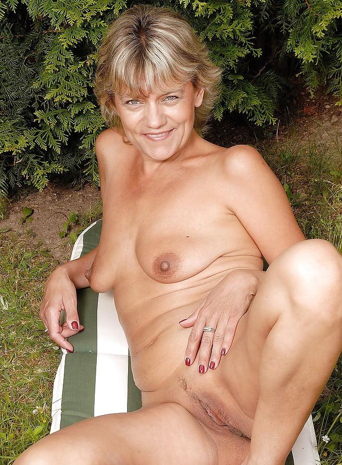 Women naked older 1