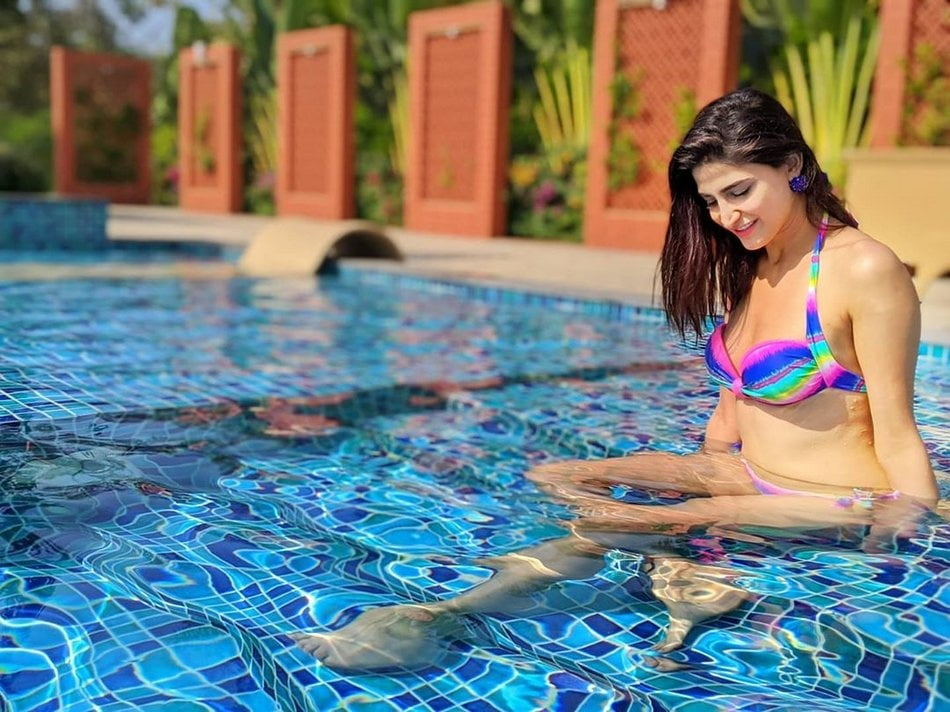 Aahana Kumra chills in a Bikini - 7 Pics