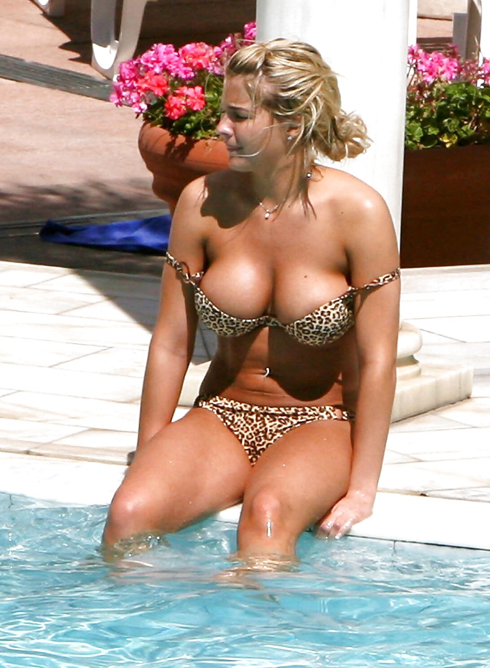 Fuck Gemma Atkinson nudes (32 foto and video), Pussy, Sideboobs, Selfie, braless 2015