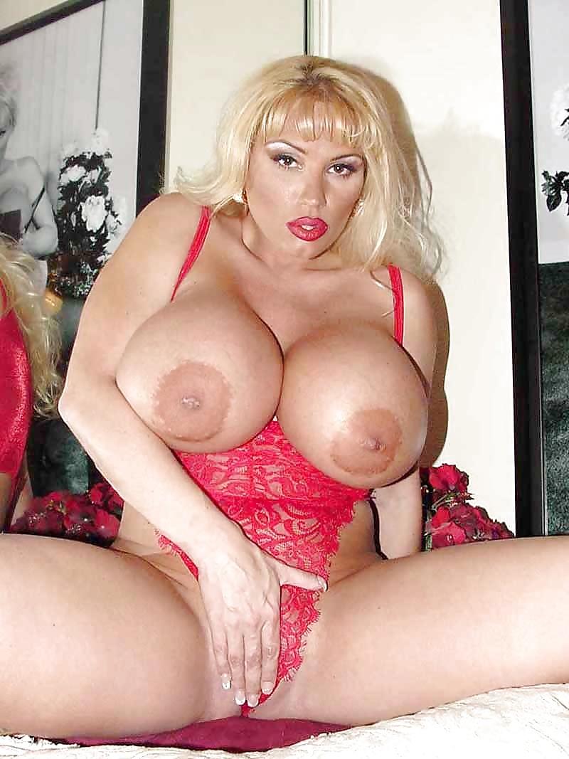 Busty porno queens #15